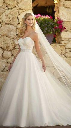 blog handle tailor wedding dress disaster
