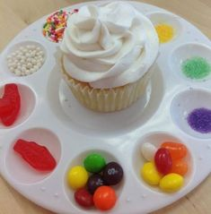 CUPCAKE DECORATING is lots of fun for kids to do. Perfect for birthday parties & afternoon teas. Just grab a cheap artists palette from the $2 shop to keep all the bits & pieces together. Other birthday party tips: http://www.under5s.co.nz/shop/Hot+Topics/Activities/Birthday+Parties.html