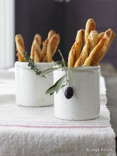 It's the spicy and sharp flavor of traditionally made farmhouse Cheddars that delivers the deep, rich taste of these crisp cheese straws. Edible Centerpieces, Centerpiece Ideas, Italian Centerpieces, Quinceanera Centerpieces, Wedding Centerpieces, Italian Party Decorations, Quince Decorations, Italian Themed Parties, Pain Pizza