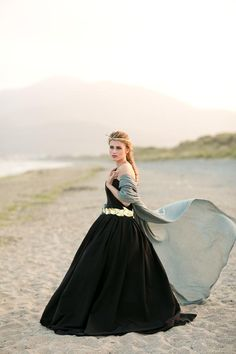 Dark and romantic Ireland wedding inspiration | photos by Paula McManus Photography | 100 Layer Cake