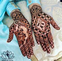 Mehndi designs topping the popularity charts in . - Mehndi-Designs, die die Beliebtheitscharts im Jahr 2018 übertreffen! Mehndi designs topping the popularity charts in charts Dulhan Mehndi Designs, Mehandi Designs, Mehndi Designs 2018, Modern Mehndi Designs, Mehndi Designs For Girls, Mehndi Design Pictures, Wedding Mehndi Designs, Beautiful Henna Designs, Henna Mehndi