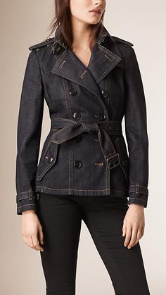 Shop the latest womenswear from Burberry including seasonal trench coats, leather jackets, dresses, denim and skirts. Denim Trench Coat, Trench Jacket, Denim Attire, Denim Fashion, Fashion Outfits, Estilo Jeans, Jacket Images, Mode Jeans, Slim Fit Jackets