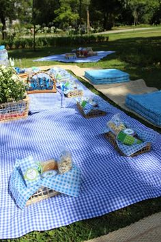 New Birthday Table Decorations Kids Outdoor Ideas Picnic Theme, Picnic Birthday, Birthday Table Decorations, Garden Party Decorations, Picnic Baby Showers, Deco Buffet, Garden Picnic, Boy Baby Shower Themes, Outdoor