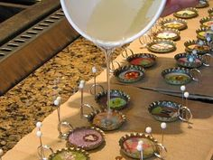 Diy Bottle Cap Crafts 330451691387760446 - Easy to make Bottle Cap Charms Source by sdukee Bottle Top Crafts, Bottle Cap Projects, Diy Bottle, Bottle Cap Jewelry, Bottle Cap Art, Bottle Cap Images, Diy Crafts Jewelry, Resin Crafts, Resin Art