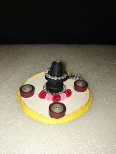 Quilled shivlingam