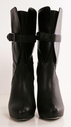 MAIYET BOOTS: Wow the heel is amazing!