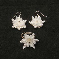 Hey, I found this really awesome Etsy listing at https://www.etsy.com/listing/213818716/tsumami-kanzashi-flower-set-snowflakes