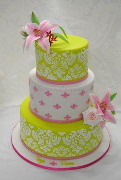 Fleur de Lis Wedding Cake