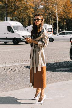 Paris Fashion Week S/S 2019 street style Beige Outfit, Look Street Style, Street Chic, Stylish Outfits, Fashion Outfits, Womens Fashion, Fashion Tips, Latest Fashion, Looks Style