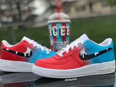 Cute Sneakers, Shoes Sneakers, Custom Painted Shoes, Vans Custom Shoes, Basket Style, Nike Shoes Air Force, Fly Shoes, Aesthetic Shoes, Hype Shoes