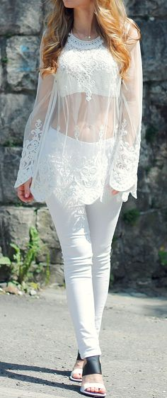 lace top + white skinny jeans   #allwhite #streetstyle