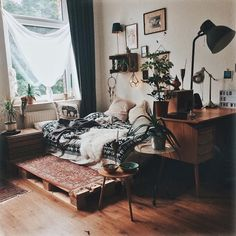 More Classic house decor with Persian carpet, # Bohemian bedroom # böhmi . - More Classic house decor with Persian carpet, # Bohemian bedroom # böhmischesunddekor … – # Bo - My New Room, My Room, Dorm Room, Bedroom Inspo, Bedroom Decor, Modern Bedroom, Bedroom Ideas, Earthy Bedroom, Bedroom Inspiration