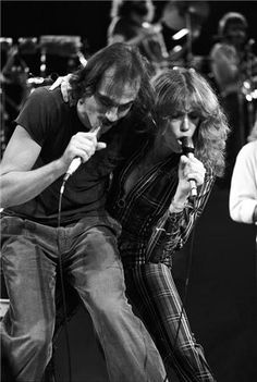 Carly Simon and James Taylor [photo: Lynn Goldsmith]. Obsessed
