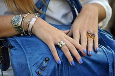 blue nails + matching blue bag