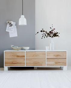 Een lage kamer lijkt ruimer met lage meubels.