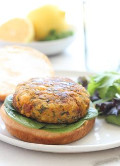 Meditteranean Chickpea Veggie Burgers- made with spinach and sundried tomatoes for a healthy and flavorful burger.