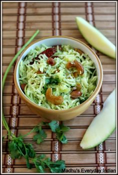 Green Mango rice recipe- is a tangy rice recipe made of green mangos, green chilly and nuts. It's a traditional dish from south India. Rice Recipes, Vegan Recipes, Dinner Recipes, Cooking Recipes, Vegan Meals, Pulihora Recipe, Bangladeshi Food, Vegetable Rice, Fish Curry