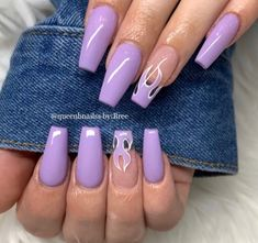 Acrylic Nails Coffin Glitter, Coffin Shape Nails, Summer Acrylic Nails, Frensh Nails, Swag Nails, Matte Purple Nails, Purple Nails With Design, Purple Nails With Glitter, Purple Nail Designs