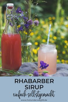 Rhabarbersirup selbstgemacht – Rezept Recipe for rhubarb syrup: Making rhubarb syrup itself is very simple and straightforward. With the homemade rhubarb syrup you always have a basis for rhubarb spritzers and summer drinks in the fridge! Pizza Hut, Green Smoothie Recipes, Healthy Smoothies, Homemade Iced Tea, Homemade Recipe, Basic Recipe, Rhubarb Syrup, Bread Maker Recipes, Great Recipes