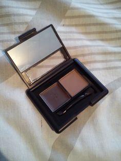 #81302 Medium http://eyeslipsface.nl/product-beauty/set-voor-de-wenkbrauwen