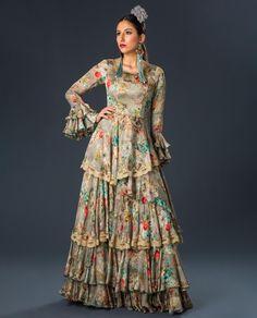 2020_MUJER_TRAJE FLAMENCA_REQUIEBRO_Marrón_2-Editar Dresses With Sleeves, My Style, Long Sleeve, Fashion, Long Sleeve Dresses, Plunging Neckline, Women, Bass, Moda