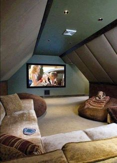 Attic Media Room, Small Attic Room, Attic Rooms, Small Room Bedroom, Small Rooms, Girls Bedroom, Bedroom Ideas, Bedroom Decor, Home Design