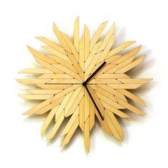 Horloge murale en bois - Haystack raw : Décorations murales par ardeola