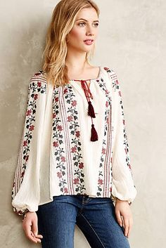 Anthropologie Vanessa Virginia Colentina Peasant Blouse Buy for 118 at Anthropologie Peasant Blouse, Peasant Tops, Sleeveless Blouse, Bohemian Mode, Bohemian Style, Boho Fashion, Fashion Dresses, Fashion 2015, Fashion Trends