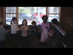 "HENAA concert 2014 - Little Kids Spanish Song ""Aprendezaje"""
