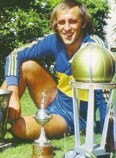 Roberto Mouzo.Campeón con Boca Juniors en Torneo Metropolitano 1976,Torneo Nacional 1976,Copa Libertadores de América 1977,Copa Intercontinental 1978,Copa Libertadores de América 1978 y Torneo Metropolitano 1981.
