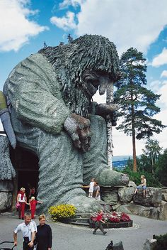 The giant troll that guards Hunderfossen Adventure Park near Lillehammer, Norway Lofoten, Tromso, Oslo, Places To Travel, Places To See, Beautiful Norway, Lillehammer, Scandinavian Countries, Visit Norway
