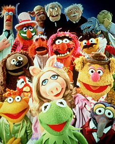 The Muppet Show is a half-hour variety show in which Kermit the Frog and the Muppets put on a. Muppet Babies, Sesame Street Muppets, Sesame Street Characters, Cartoon Characters, Jim Henson, Miss Piggy, Sapo Meme, Tv Theme Songs, Vintage Tv
