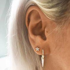 Golden Apatite Crystal in Rose Gold Fill Studs, Amber Crystal Earrings. Raw Rough Crystal and Gold Jewelry, Modern Pronged Jewelry - Fine Jewelry Ideas Ear Lobe Piercings, Body Piercings, Upper Ear Lobe Piercing, Celebrity Ear Piercings, Lip Piercing, Lily Allen, Crystal Earrings, Stud Earrings, Green Tourmaline