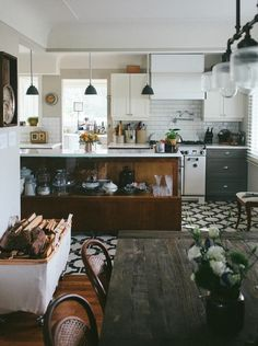 ↞↠ rustic and eclectic kitchen and dining