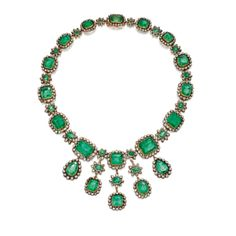 Silver topped gold emerald necklace with old mine cut diamonds - early century Royal Jewelry, High Jewelry, Jewelry Accessories, Jewelry Necklaces, Jewelry Design, Jewlery, Tiffany Jewelry, Emerald Necklace, Emerald Jewelry
