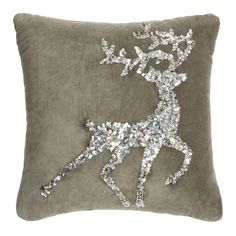 barbarasangi pin from idealhome - Looking to make your home feel festive? Christmas cushions are an easy, inexpensive way to instantly inject some festive cheer to your home. Silver Christmas Decorations, Reindeer Decorations, Felt Decorations, Christmas Colors, Christmas Crafts, Christmas Tree, Christmas Cushions To Make, Christmas Pillow, Diy Cushion Covers