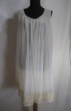 Vintage Vanity Fair Lace Baby Doll Teddie NightGown Peignoir Small Made in USA #VanityFair #BabydollChemise