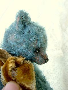 One of a Kind Handcrafted Mohair Artist Art Bear door aerlinnbears