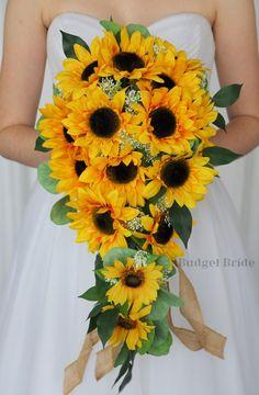 Cascading Wedding Bouquets, Yellow Wedding Flowers, Cascade Bouquet, Bride Bouquets, Sunflower Bouquets, Small Bouquet, Sunflower Bridesmaid Bouquet, Sunflower Wedding Decorations, Wedding Ideas