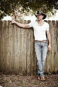 Hey my fence needs a little Tim McGraw !
