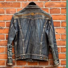 Meet worn-in - Conny Jacket. Isn't it beautiful? Denim Button Up, Button Up Shirts, Nudie Jeans, Sock Shoes, Porn, Socks, Jackets, Beautiful, Fashion