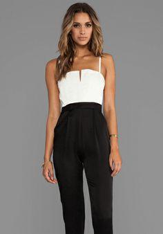 Alice   Olivia Arrow Tank Pleat Pant Jumpsuit in White/Black