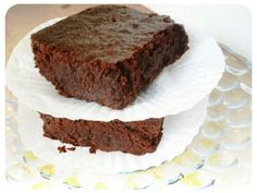 #paleo Perfect Brownies: ½ cup butter;   4 oz unsweetened chocolate; ¼ cup coconut oil; ¾ cup honey; 2 eggs; 2 tablespoons cocoa powder; 2 tablespoons coconut flour, packed; ¼ cup almond flour, packed; ½ teaspoon baking soda; ½ teaspoon salt; ½ cup chocolate chips; ¾ cup chopped pecans