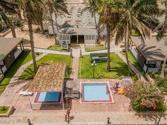 Piscinas crianças no Oásis Belorizonte Resorts, Oasis, Cape Verde, Basketball Court, Morocco, Pools, Vacation Resorts, Beach Resorts, Vacation Places