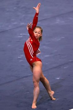 Shawn Johnson was one of the most decorated athletes of the 2008 Olympics, with three silver medals (team, all-around, and floor) and a gold on balance beam. Here, we have photos of Johnson through the years. Gymnastics Floor, Gymnastics Poses, Amazing Gymnastics, Gymnastics Photography, Gymnastics Pictures, Sport Gymnastics, Artistic Gymnastics, Olympic Gymnastics, Gymnastics Leotards
