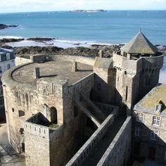 Circuits dans la cité corsaire de Saint-Malo
