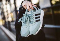 3602b3321dc832 adidas Originals Iniki Runner