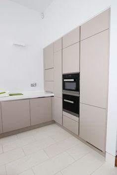 Handleless kitchen tall units