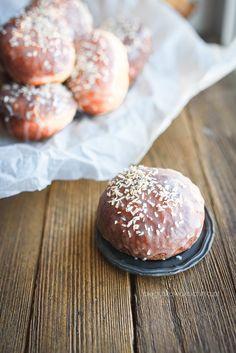 pączki z marmoladą Hamburger, Therapy, Bread, Food, Recipies, Brot, Essen, Baking, Burgers