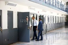 Obama, in Oklahoma, Takes Reform Message to the Prison Cell Block - The New York Times